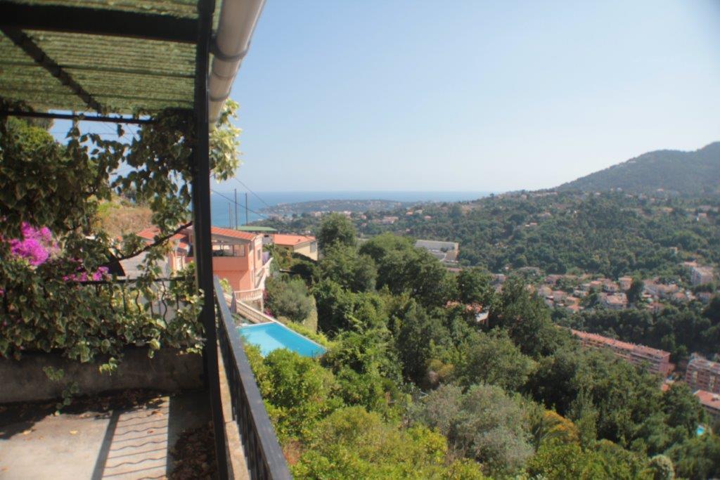 Maison en vue panoramique quartier annonciade 182 m for Acheter maison menton